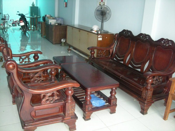 sơn bàn ghế gỗ